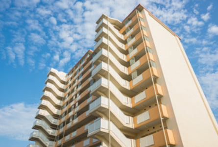 塗装は美観維持とコーティングの役割を持っています。 明光の塗装工事で建物をリフレッシュ!